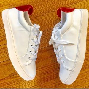 Betsey Johnson White Platform Causal Sneakers Sz 5